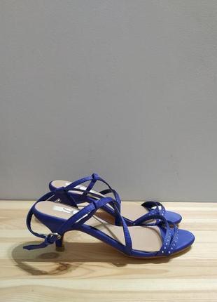 Нарядные атласные босоножки, синие сандалии на каблуке