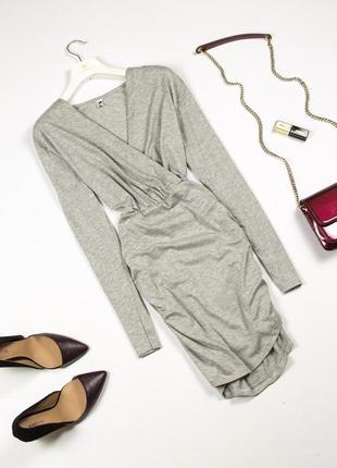 Элегантное асимметричное платье на запах с драпировкой и длинным рукавом x&z m