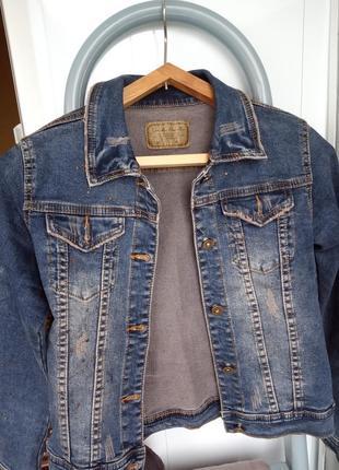 Джинсовый пиджак ( возможен торг )