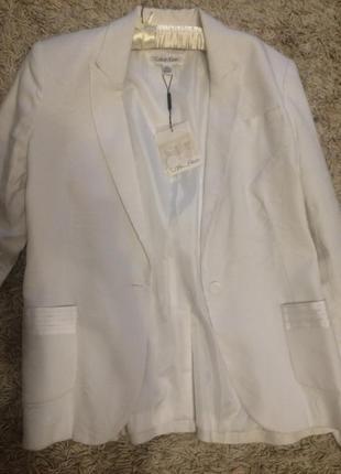 Белый пиджак calvin klein