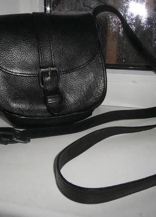 Актуальная сумочка из мясистой натуральной кожи/стиль кросс боди
