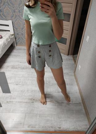 Актуальные красивые шорты юбка-шорты с пуговицами