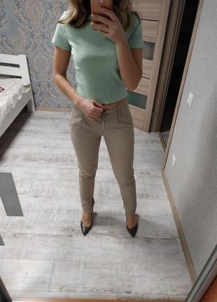 Стильные базовые котоновые брюки чиносы