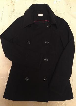 Шерстяное пальто ( 60% шерсти)