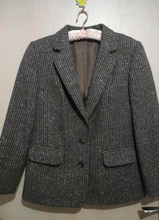 Трендовый пиджак, интересная расцветка.100 шерсть
