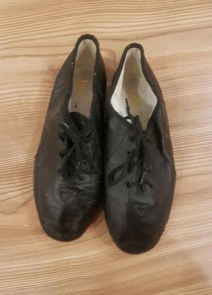 Фирменные кожаные балетки чешки для танцев гимнастики унисекс 31 19.5с