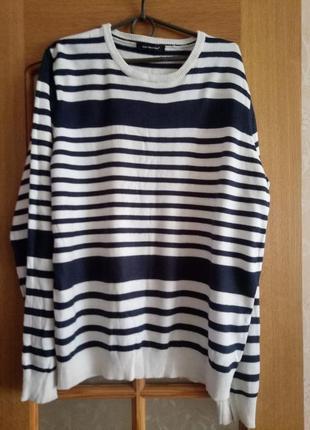Продам свитер большого размера