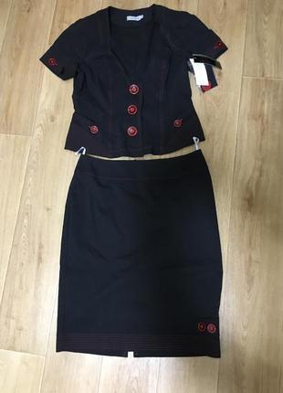 Женский юбочный костюм gizart