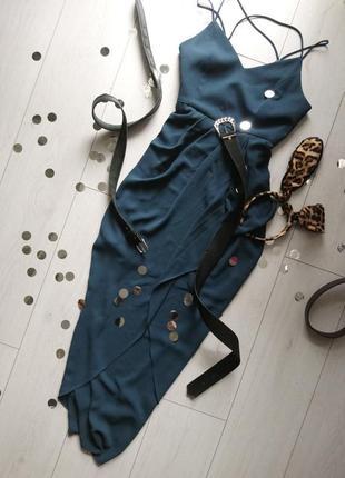 Изумрудное платье в пол forever new, сбоку разрез