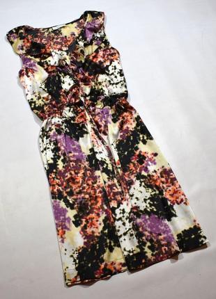 Плаття з оборками і принтом