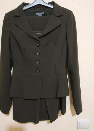 Деловой костюм-тройка:пиджак,юбка,брюки