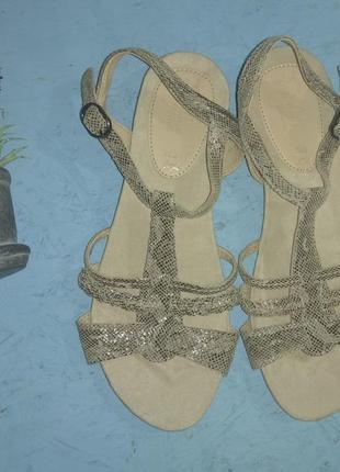 Новые кожаные босоножки footglove р 38