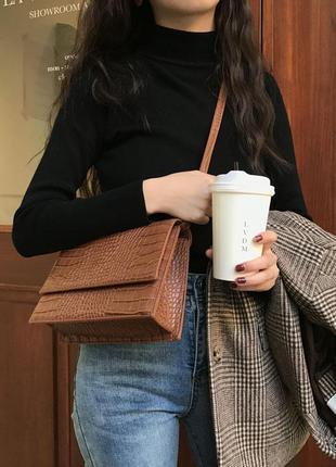 Кросс-боди, сумочка через плечо на длинном ремешке