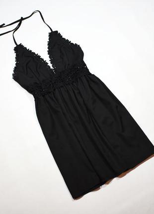 Чарівне чорне плаття з мереживом