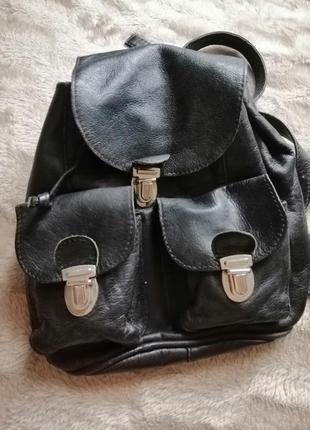 Кожаный чёрный женский маленький рюкзак классический
