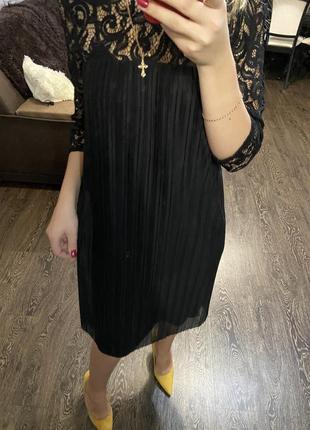 Нарядное платье в кружево плиссе платье