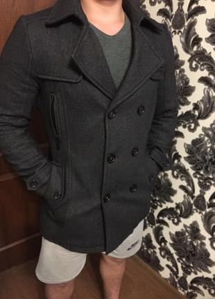Пальто стильное л