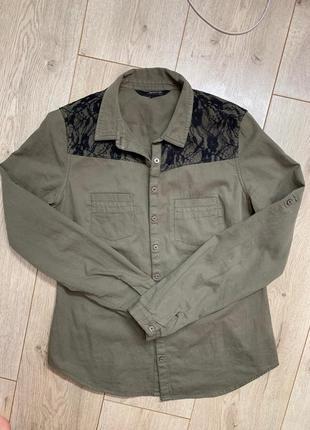 Рубашка хаки с кружевом стильная нарядная