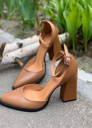 Кожаные модельные туфли