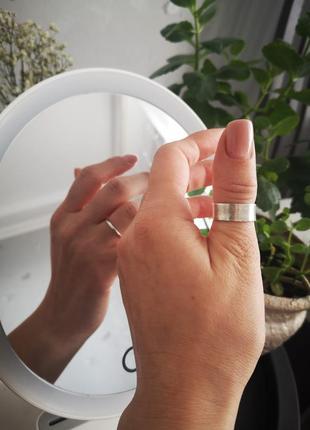 Матовое серебряное кольцо