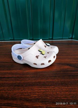 Crocs ,размер с 8-9...