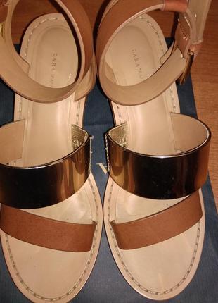 Босоножки сандалии на каблуке с ремешком на щиколотке zara trafaluk