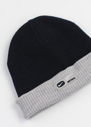 Фирменная двухсторонняя шапка с ушками