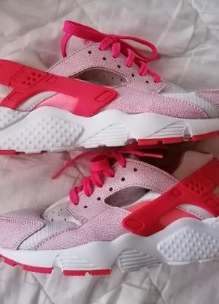 Стильные кроссовки nike 38.5 женские найки розовый белый