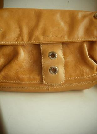 Аккуратная сумочка из натуральной кожи от francesco biasia