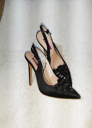 Нарядный туфли, босоножки с закрытым ноком на узкую ногу