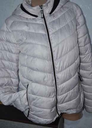 Демисезонная курточка, женская, светлая