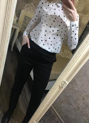 Классические чёрные брюки