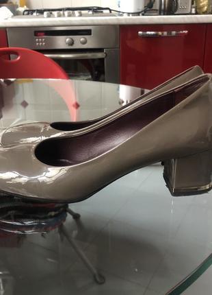 Туфли лаковые fabiani