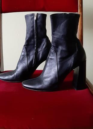 Ботинки на весну осень, кожа zara оригінал, шкіряні чобітки ботильйони чулки