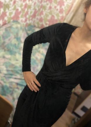 Платье бархатное элегантное