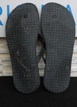 Тапочки, шлепки, вьетнамки adidas