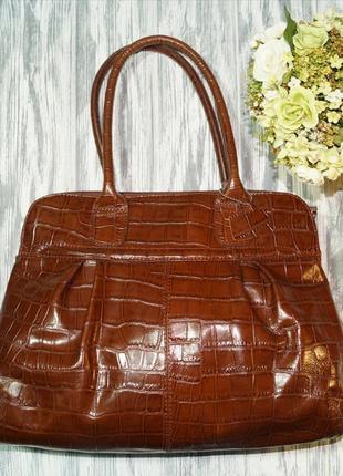 Кожа. классная вместительная сумка в классическом стиле