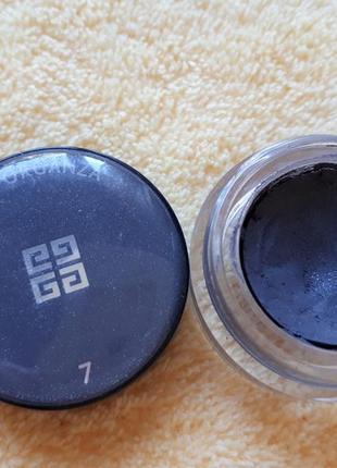 Серые мерцающие темные матовые тени с серебристыми блестками живанши givenchy 7