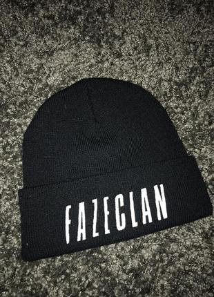 Чёрная шапка fazeclan