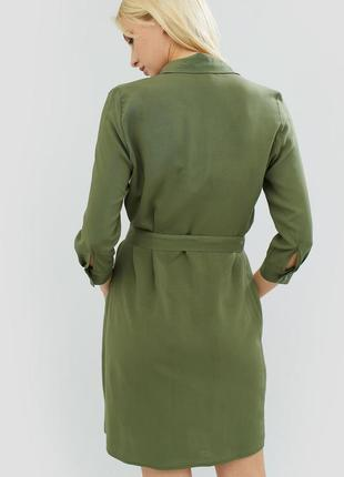 Зеленое платье-рубашка на лето