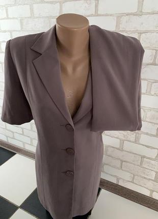 Стильный брючный костюм кофе с молокомбренд laigefei hight fashionразмер указан 44/50прои