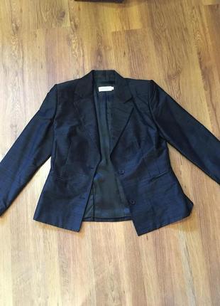 Шикарный и дорогой деловой шелковый костюм италия от gigli