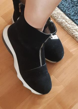 Зммние ботинки натуральная замша