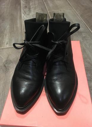 Ботинки жіночі р.37 estro