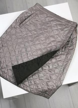 Стеганая двухсторонняя юбка на запах