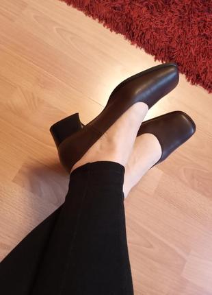 Италия,класс люкс!шикарные,кожаные туфли,туфельки,лодочки,широкий каблук.