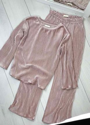 Пудровая пижама из мягкого трикотажа