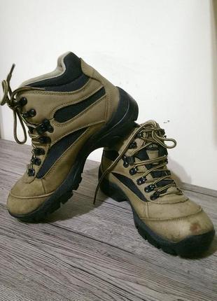 Ботинки горные трекинговые. go-tex. 38