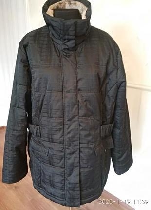 Теплая зимняя куртка большого размера 60-62 (26-28 англ.).