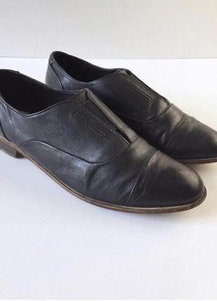 Стильные кожаные туфли на низком ходу